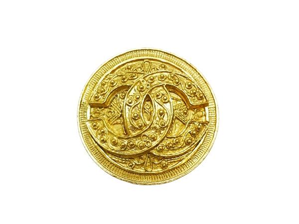 CHANEL シャネル ゴールド ○型 ココマーク ブローチ01